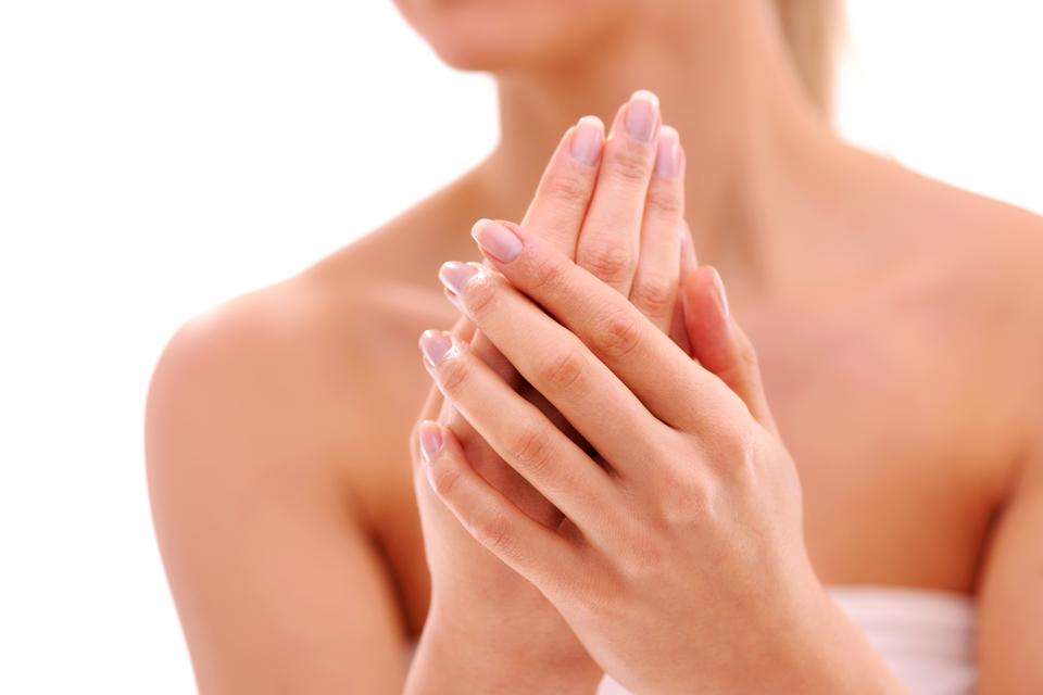 Trattamenti antimacchia per le mani