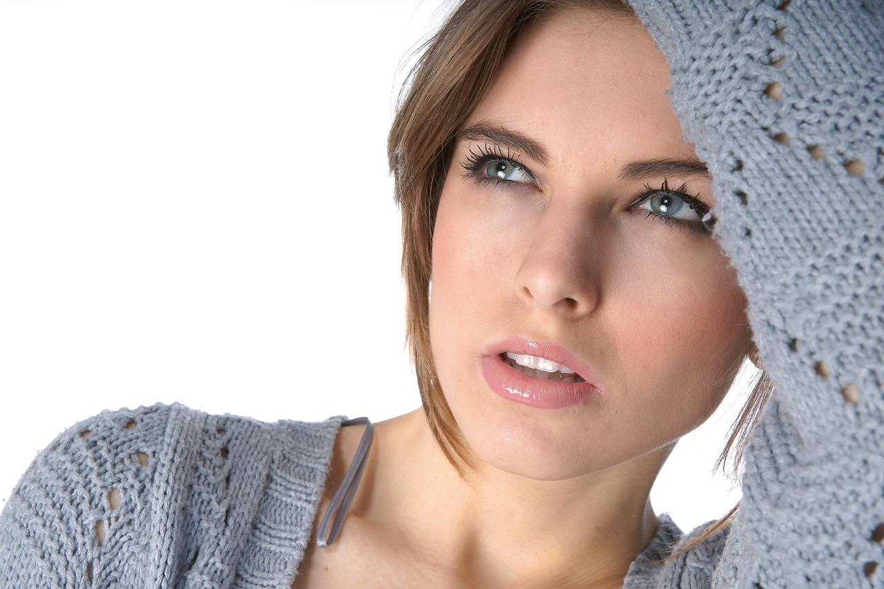 I benefici dell'acido ialuronico viso